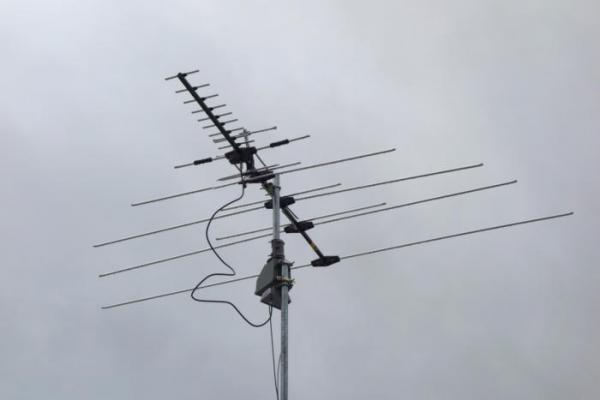 photo image You should use a TV antenna, even if you have cable. Here's why