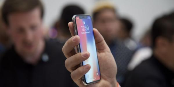 photo image Hands on with the iPhone X: OLED and HDR outshine everything else