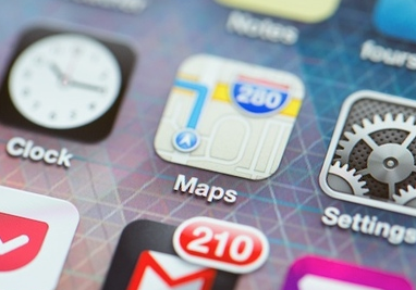Apple had over a year left on Google Maps contract, Google scrambling to build iOS app