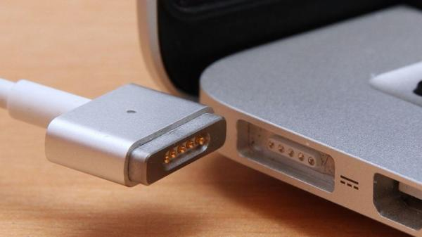 photo image Don't Replace Your MacBook Charger With a Cheap Knockoff