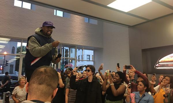 photo image Kanye West delivers bizarre 'keynote' at Washington Apple store