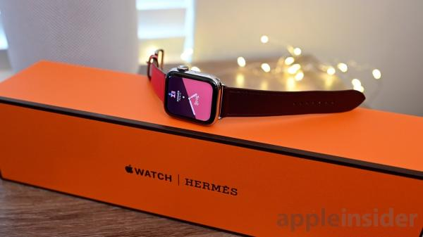 photo of Hands on with the 40mm women's Hermes Apple Watch Series 4 image