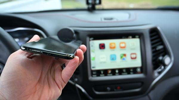 This dongle can upgrade you to wireless CarPlay for cheap