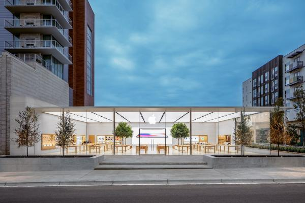 photo of These are the Apple Stores that re-closed due to COVID-19 spikes image
