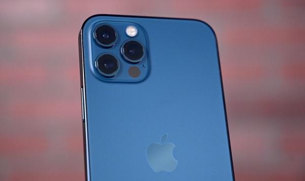 photo of Teardown shows iPhone 12 Pro Max's enlarged camera module image