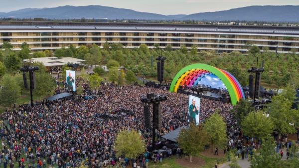 photo of Photos: Apple holds Apple Park opening ceremony and tribute to Steve Jobs image