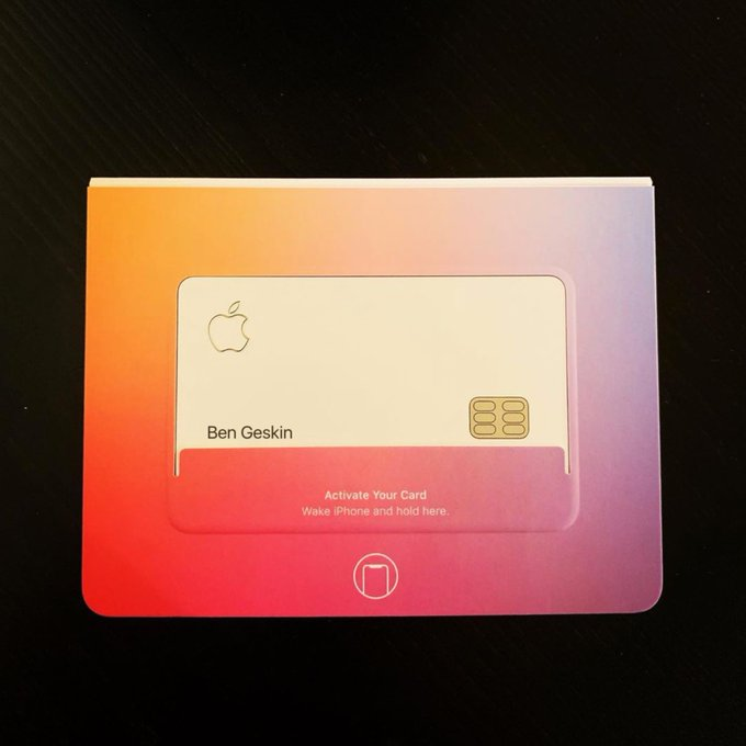 photo of Apple Employees Starting to Receive Apple Cards (Photos) image