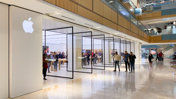 photo of Photos: Galleria Dallas Apple Store celebrates grand opening image