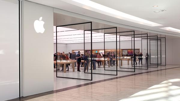 Gallery: Natick Mall Apple Store reopens…