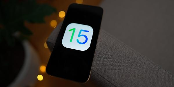 Apple patches zero-day flaw in iOS 15,…