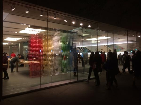 photo of Apple Stores Being Updated With New 3D Window Displays image
