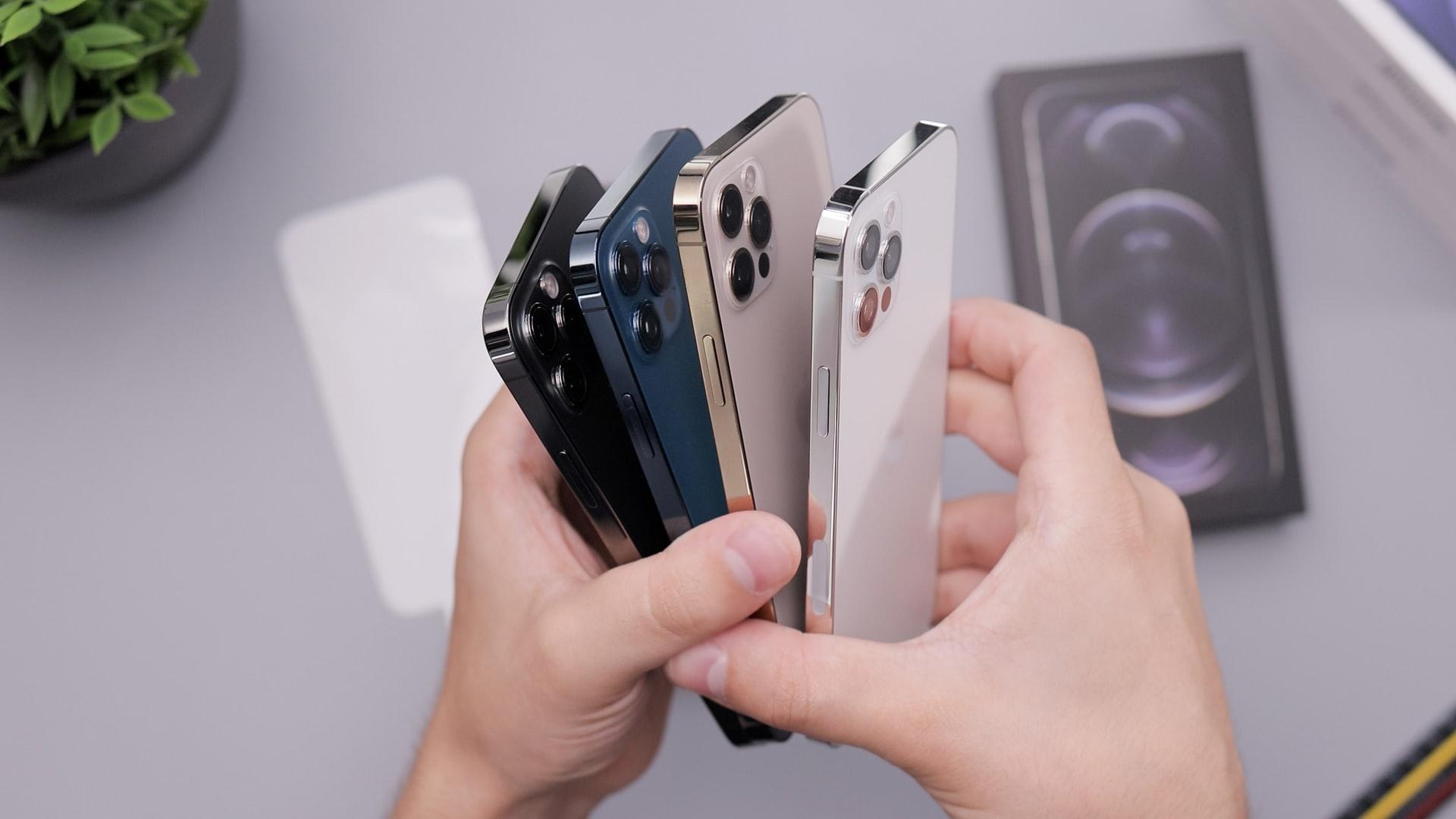 Top 7 Reasons Why People Choose iPhones