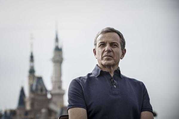 Disney's Bob Iger Resigns From Apple's…