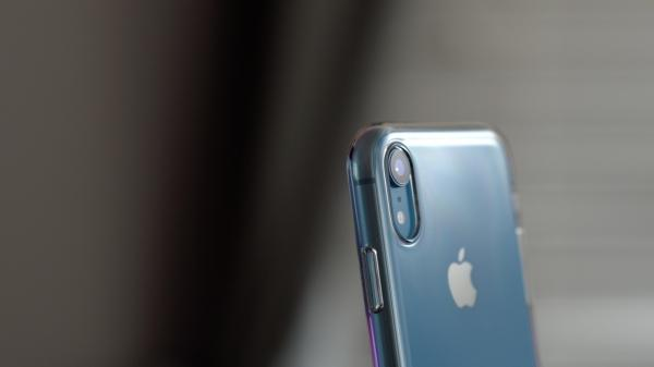 photo image Nomura analyst predicts no physical changes to 2019 iPhones, sales drop expected