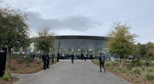 Live Apple Event Coverage: 'It's Show…